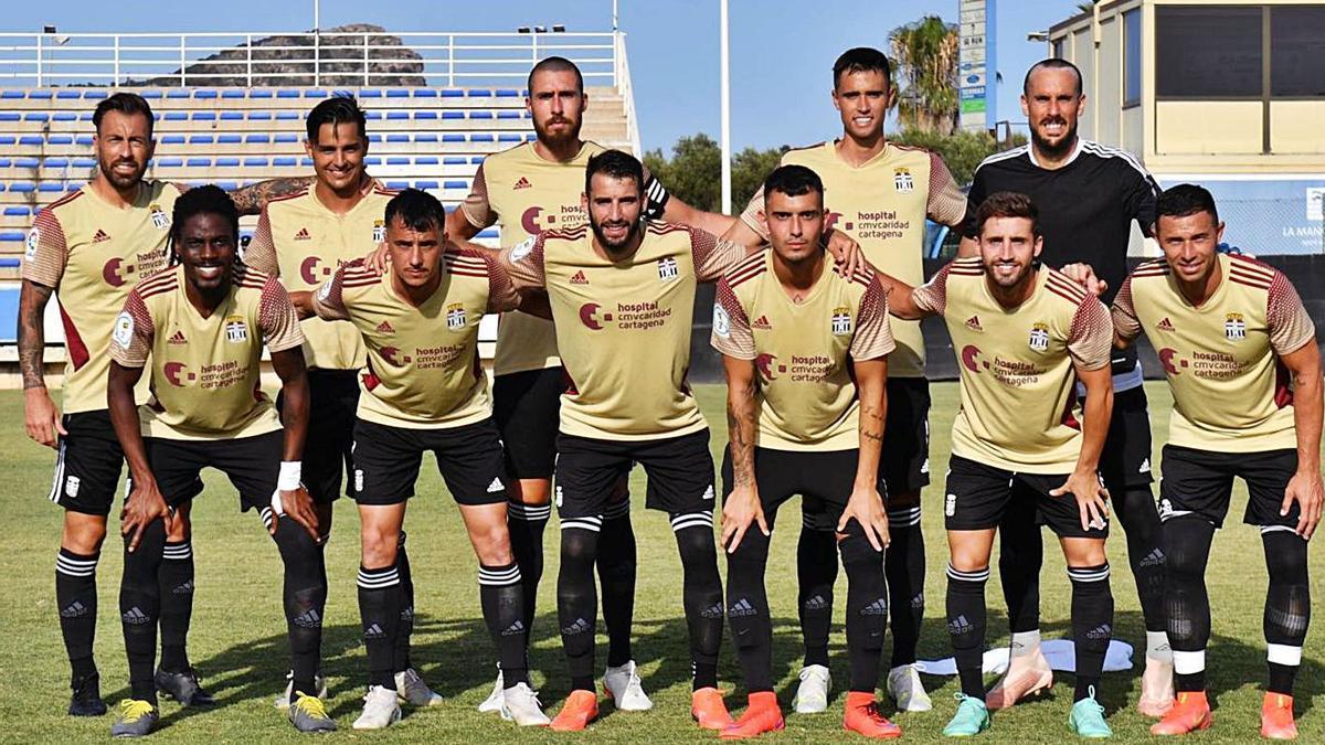 El primer once de la pretemporada, con varios jugadores que ascendieron. | FC CARTAGENA