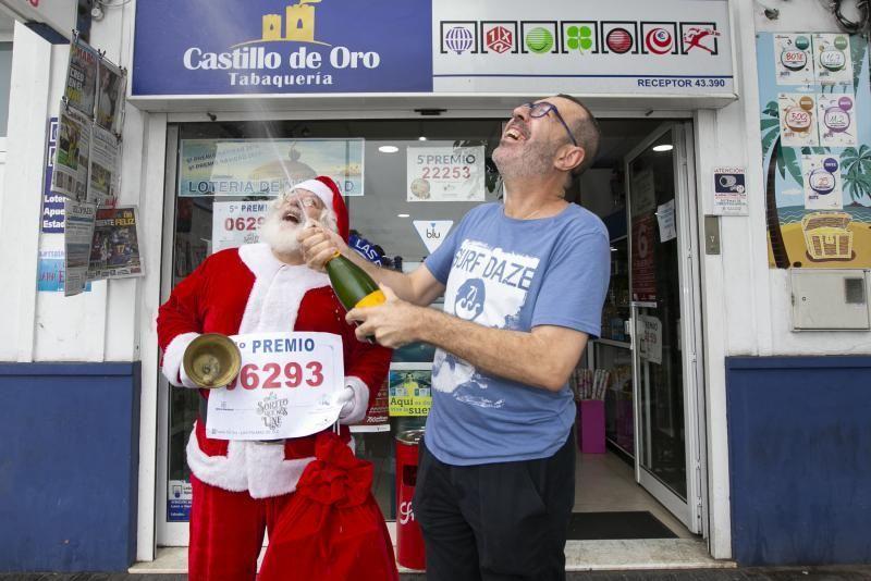 13.12.19. Las Palmas de  Gran Canaria. Lotería de Navidad. 5º premio Administración Castillo de Oro, calle Juan Rejón . Foto Quique Curbelo  | 22/12/2019 | Fotógrafo: Quique Curbelo