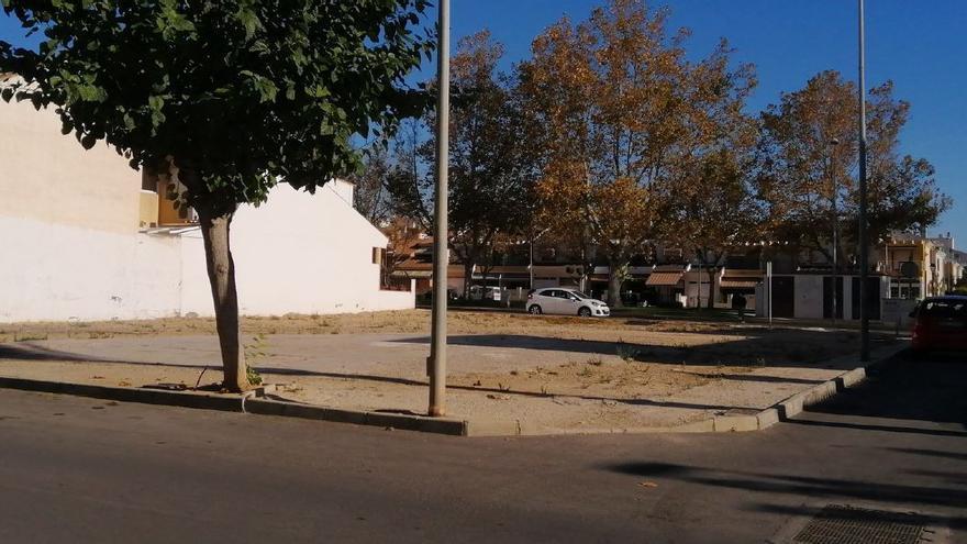Pilar de la Horadada habilitará cuatro solares en el centro como aparcamiento gratuito