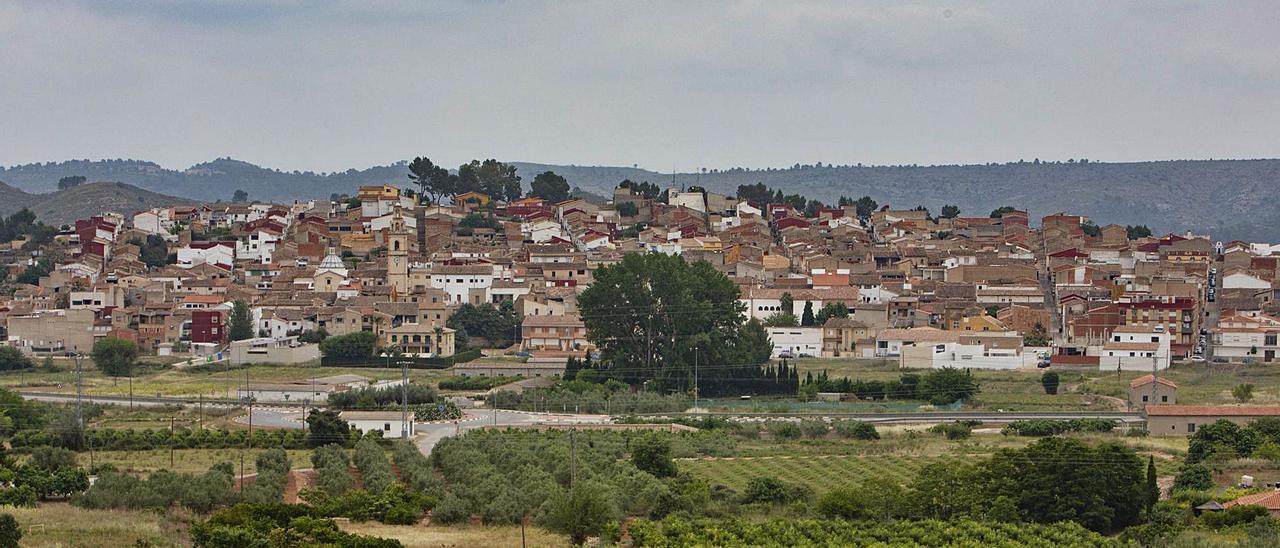 Panorámica de Chella, la población de la Canal de Navarrés que protagoniza el estudio de su habla característica.   P.I.