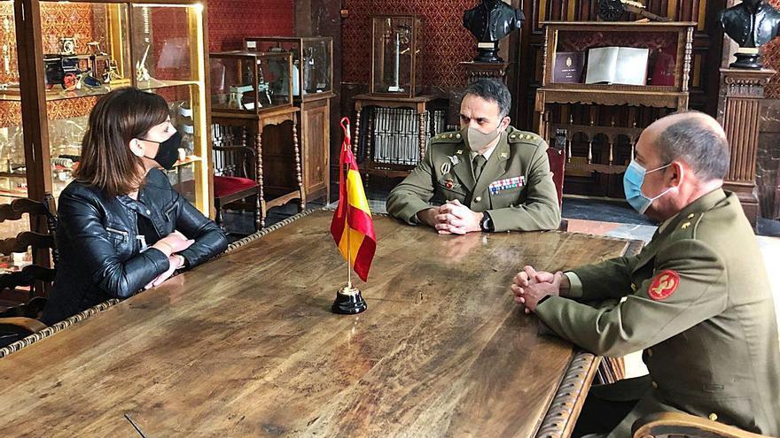 Un colegio público de Oviedo acogerá el izado de bandera en la Semana de las Fuerzas Armadas