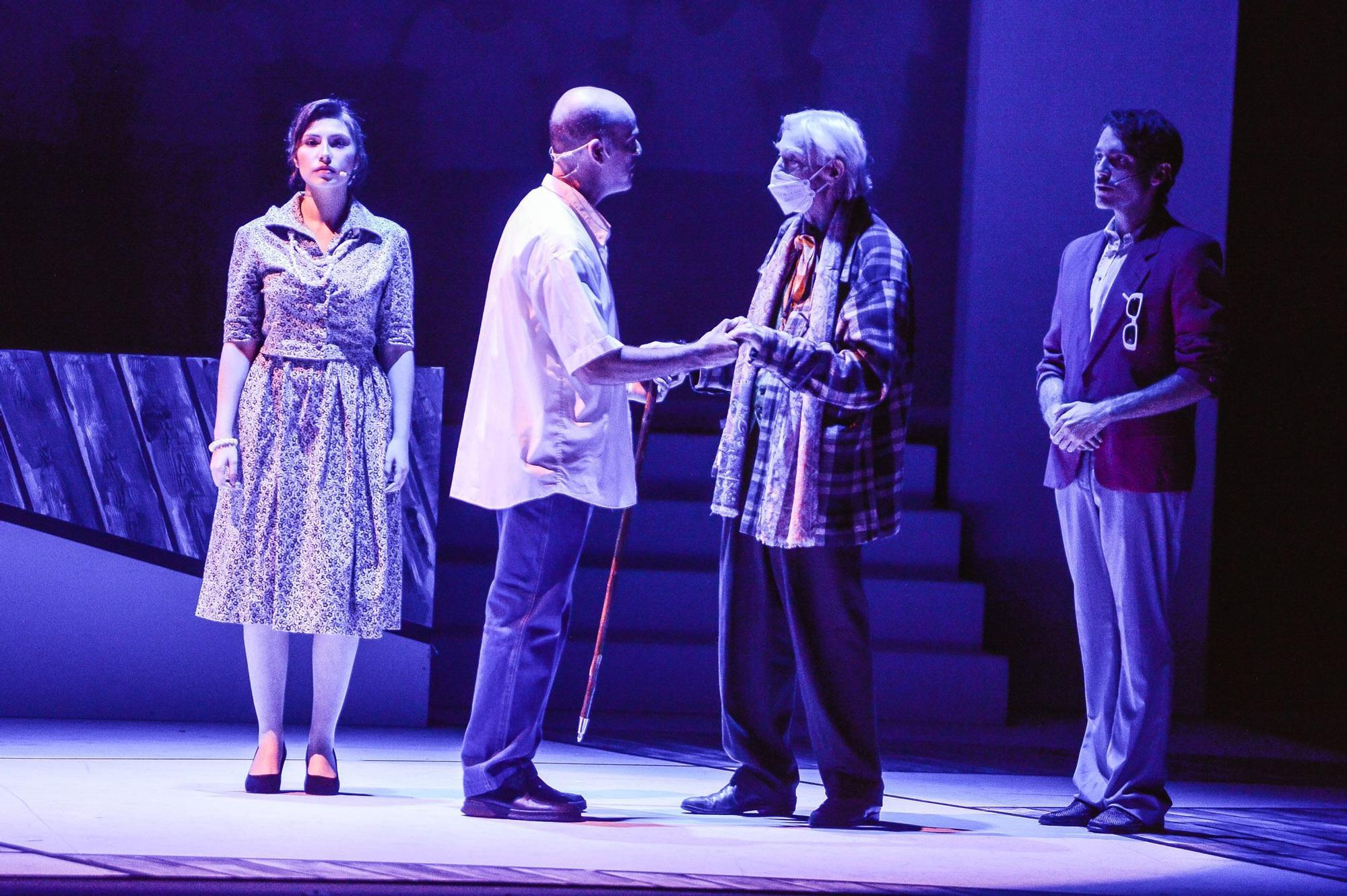 Pepe Dámaso participa en la primera función del musical sobre César Manrique