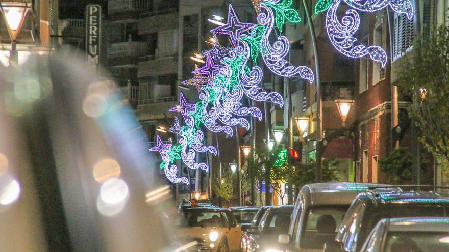 Torrevieja gastará 202.000 euros en iluminación de fiestas patronales y Navidad, un 30% más que en 2020
