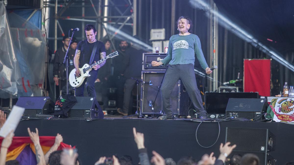 Evaristo Páramos, vocalista de La Polla Records, en un concierto anterior en Extremúsika.