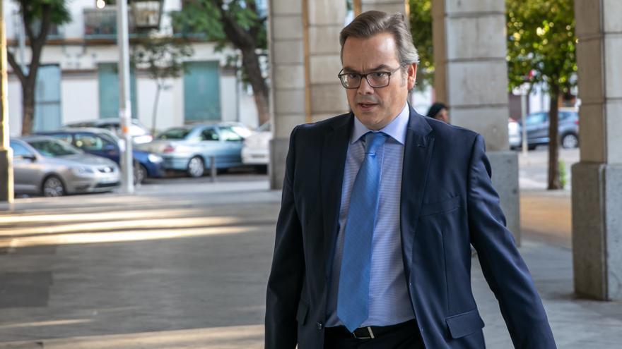 El juez abre juicio oral por dos piezas separadas del caso ERE