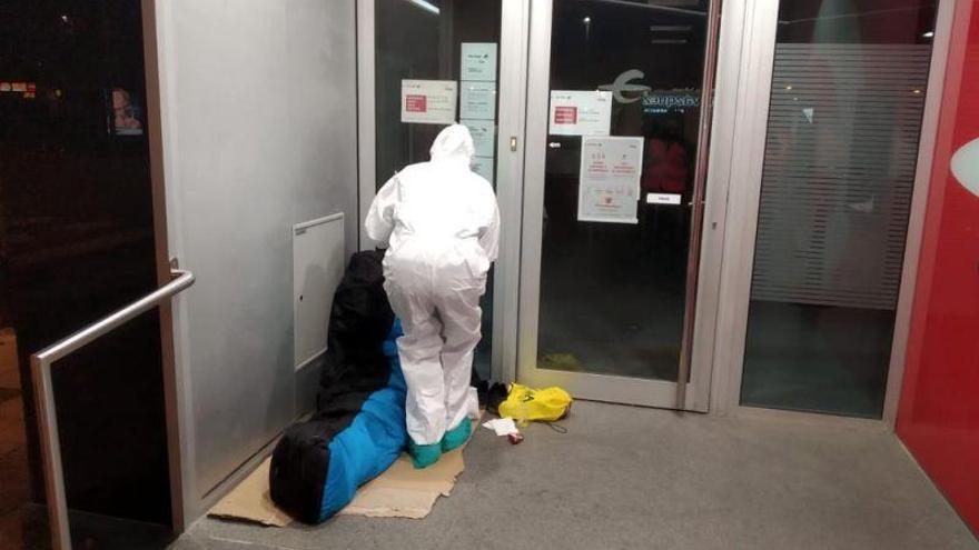 Zaragoza envía a Sanidad los datos de 40 sintecho que quieren vacunarse contra el covid
