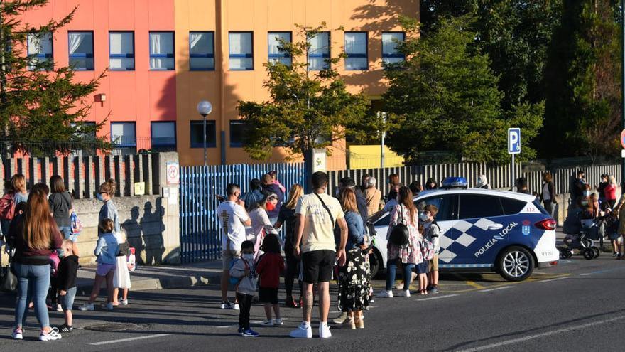 Padres de Arteixo reclaman cambios en el protocolo de Covid de los centros escolares