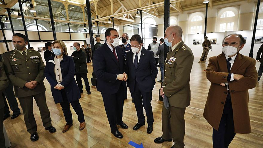 """El delegado de Defensa Asturias: """"El futuro 8x8 que se fabricará en Trubia es una de las consecuencias de las misiones en Afganistán"""""""
