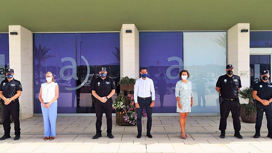 Sant Antoni refuerza su plantilla de policías