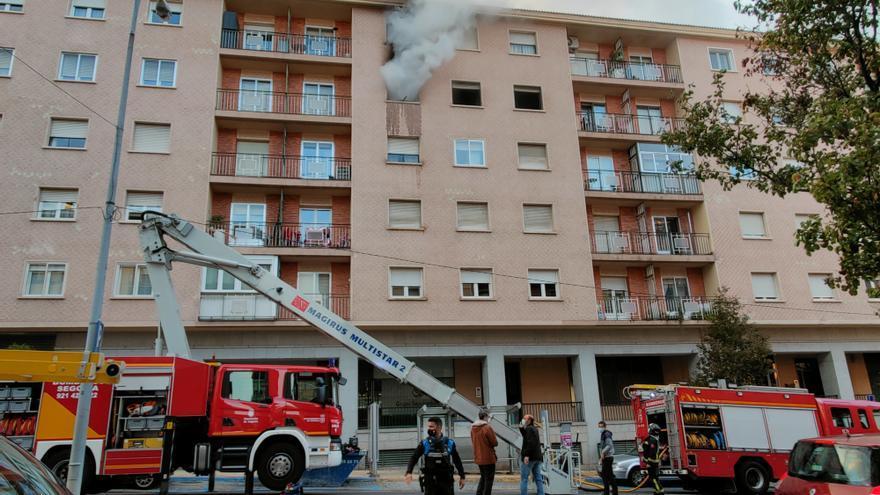 Extinguido un incendio originado en una vivienda en Segovia