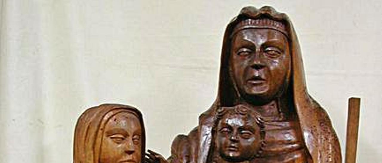 A la izquierda, el estado original de las piezas, y a la derecha, el aspecto que tienen tras el repintado.