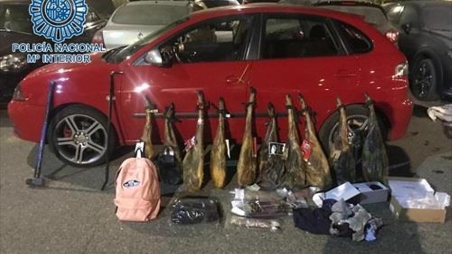 Cuatro detenidos tras ser interceptado su coche con jamones y móviles robados en Zafra y Monesterio