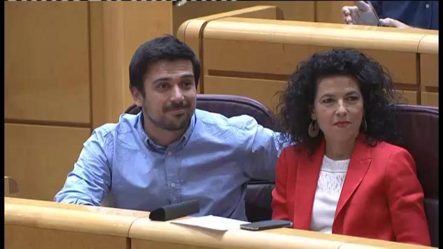"""Rajoy: """"Que la moción sea un martes 13 revela buen humor"""""""