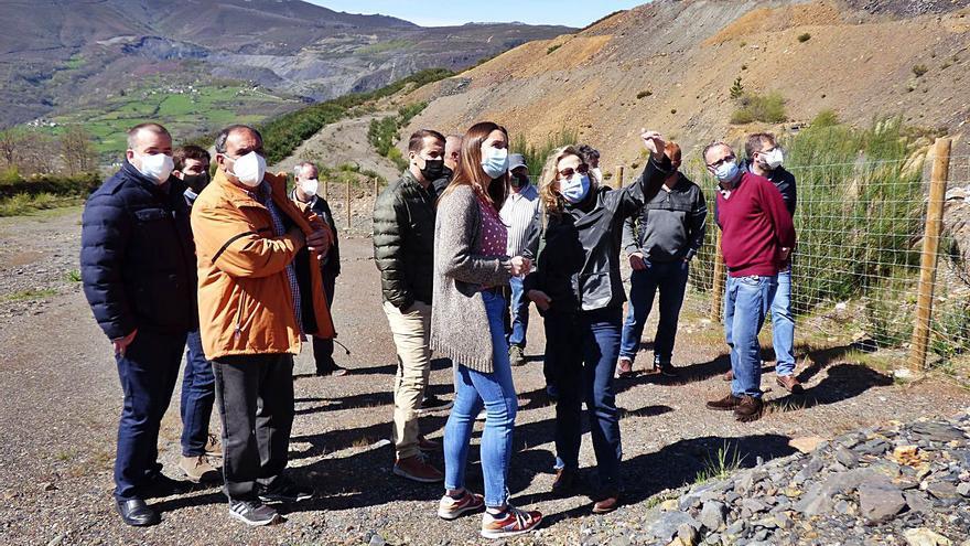 Tormaleo propone plantar frutales y tapar balsas para restaurar la zona de la mina