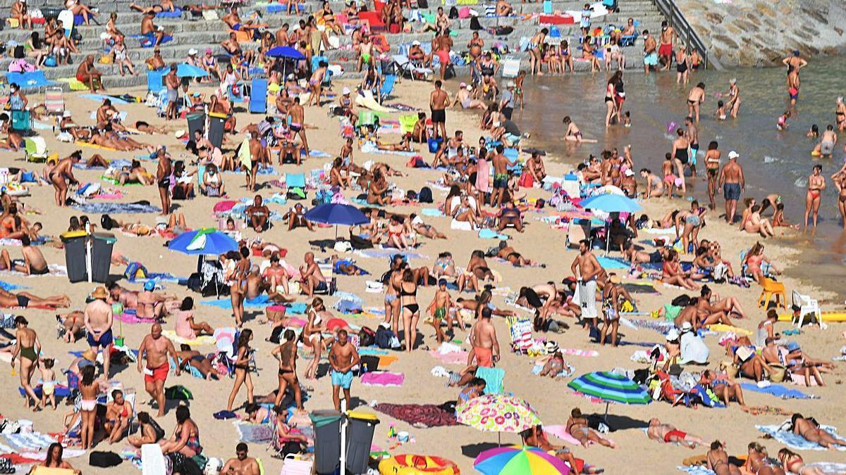 Imagen de ayer de la playa de San Amaro.   | // VÍCTOR ECHAVE