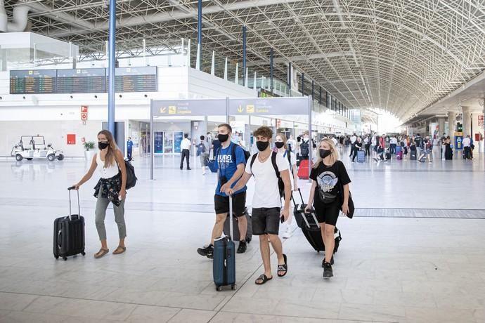 Llegada de un vuelo de TUI a Fuerteventura