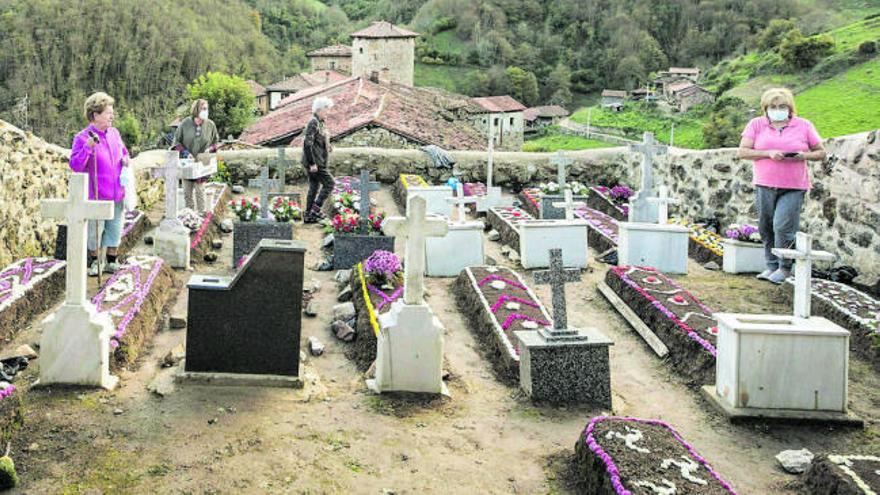 Nadie sin velas ni flores en Bandujo