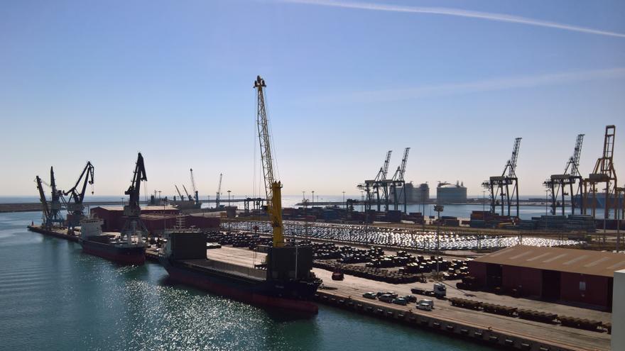 El puerto de Sagunt recortará en un 54% su gasto en energía