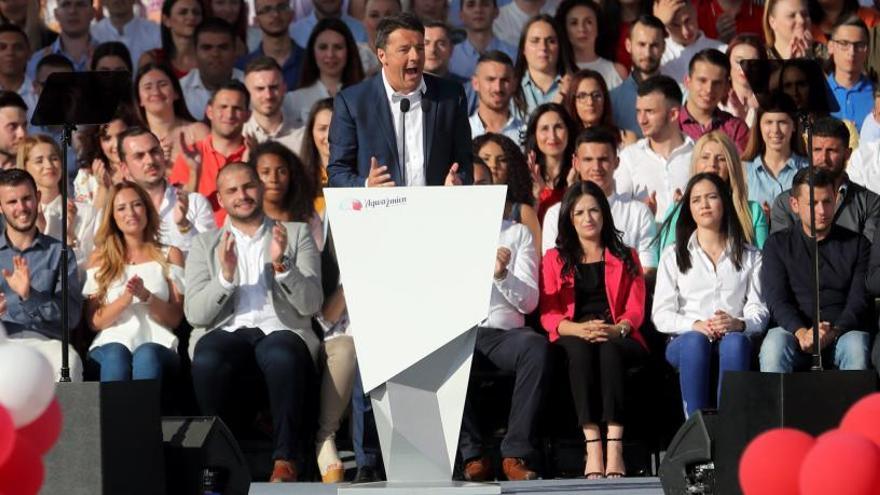 Renzi busca adelantar las elecciones en Italia a otoño