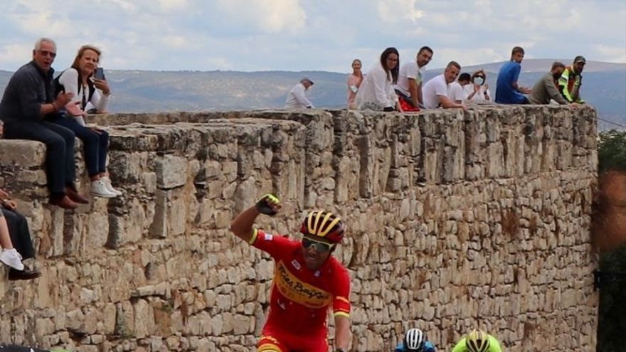 Benjamín Prades (Vigo-Rías Baixas) gana la segunda etapa en Extremadura y se pone de líder