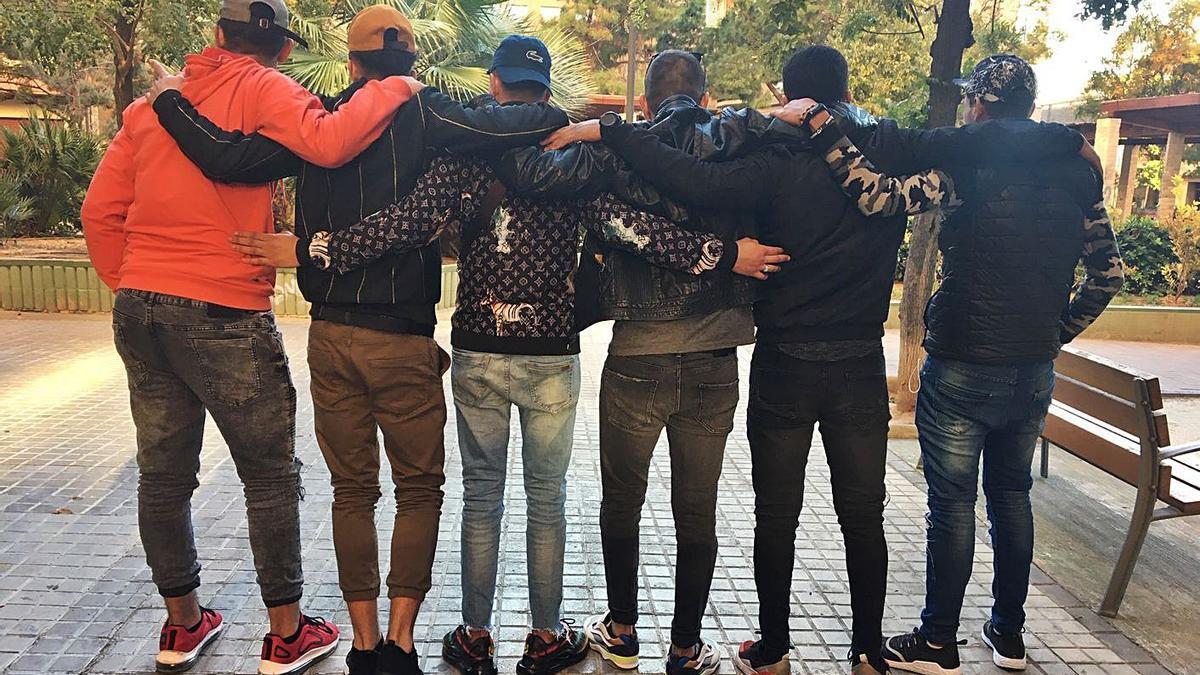 Un grupo de jóvenes extutelados por la Generalitat Valenciana, en una imagen de archivo. | LEVANTE-EMV