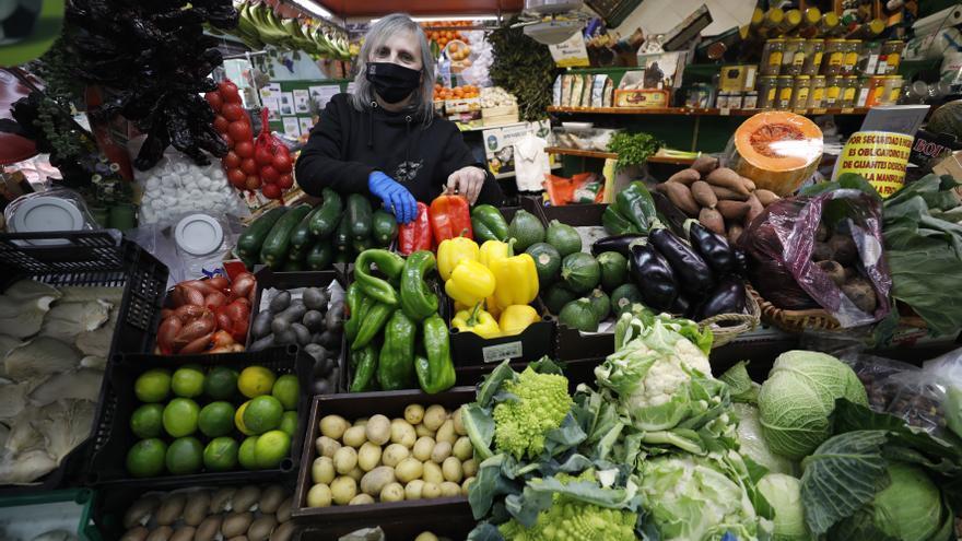 """El temporal """"Filomena"""" sube el precio de algunas verduras y frutas como calabacines, alcachofas o fresas"""