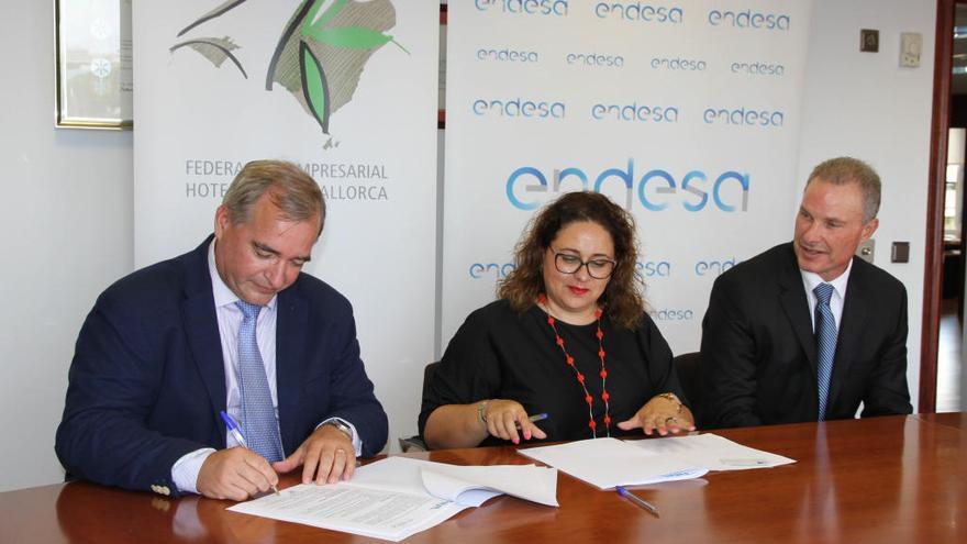 Endesa signa un conveni de col·laboració amb la Federació Empresarial Hotelera de Mallorca