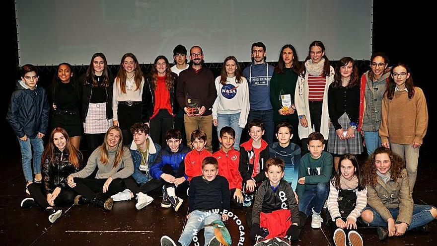 El Atletismo A Estrada firma un convenio de filialidad con el Club Ourense Atletismo