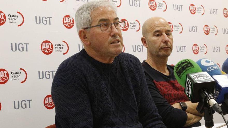 Jerónimo Cantuche, izquierda, junto a José María Barbón, de UGT