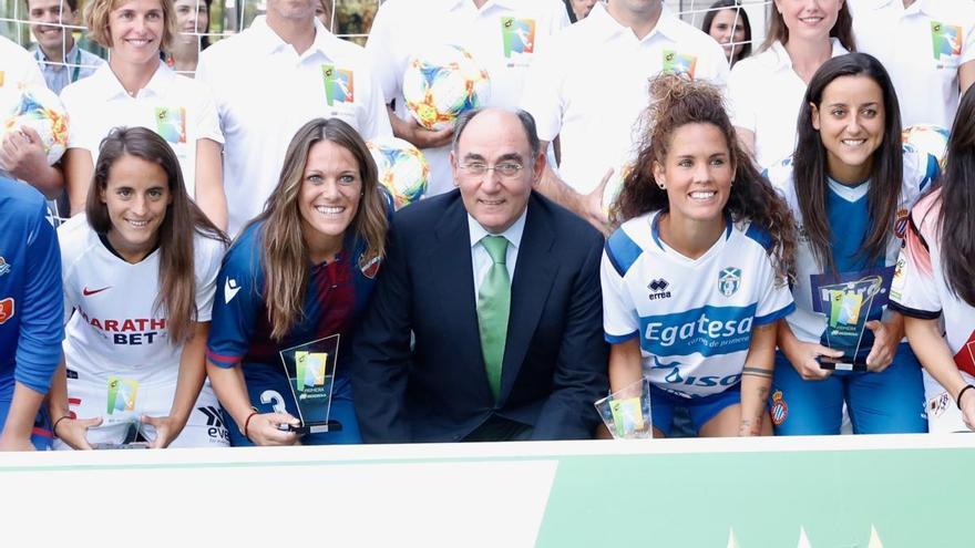 Los Premios Iberdrola SuperA impulsan el deporte femenino