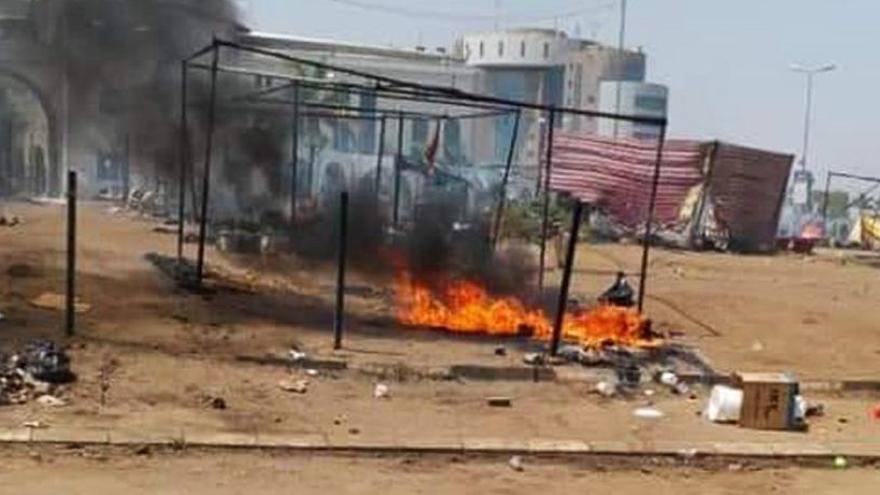Sube a 30 los muertos por una represión violenta en Sudán