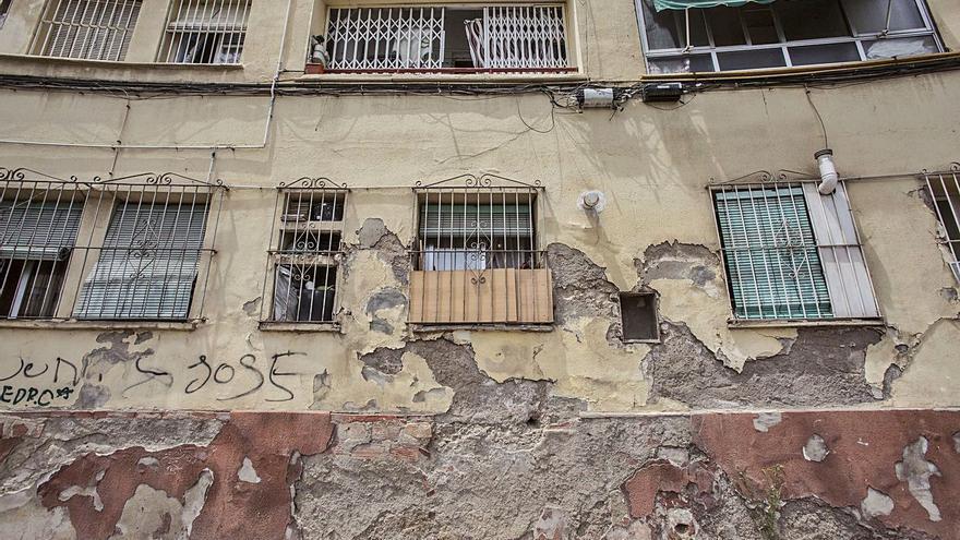 Ciudadanos lleva a las Cortes la reforma urgente del barrio Miguel Hernández