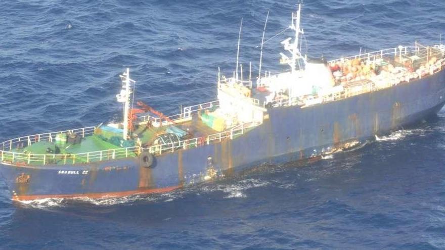 Pesca sanciona a seis firmas de Ribeira y Vigo con 2,45 millones por pesca ilegal