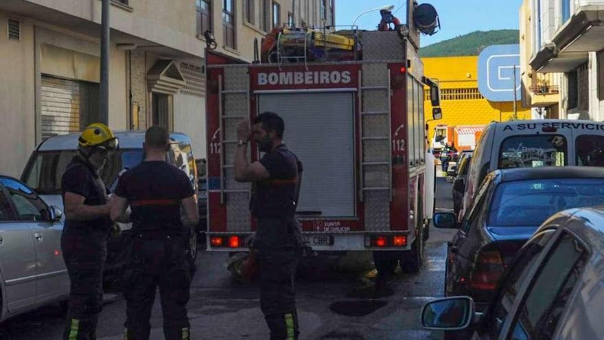 La obra del híper rompe un tubo de gas y causa el desalojo de vecinos