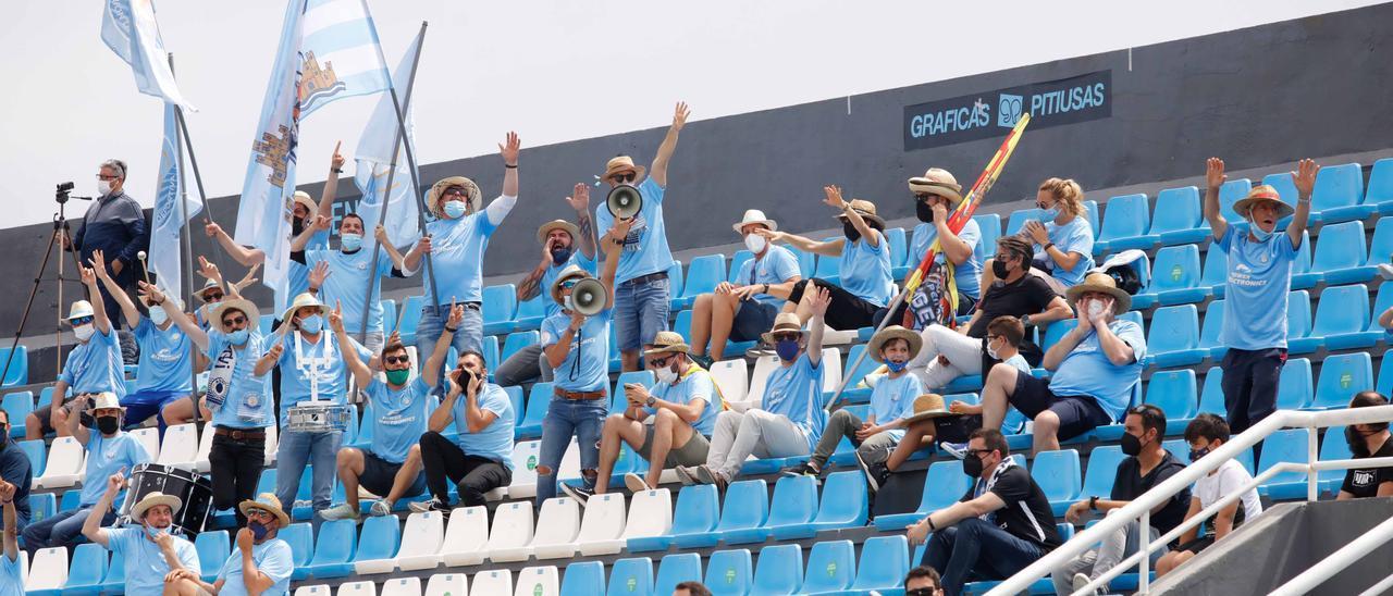 Aficionados de la UD Ibiza en el Estadio de Can Misses, en una imagen de archivo.