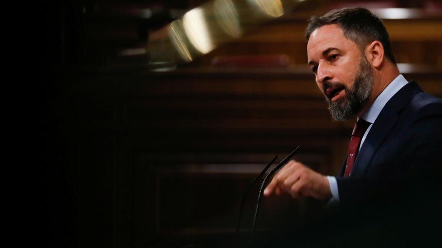 Abascal aprieta a Casado y le exige una moción de censura contra Sánchez