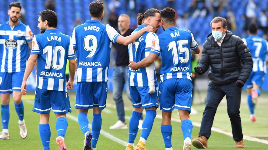 El Deportivo sella su pase a la Primera RFEF tras marcar cinco goles ante el Langreo en Riazor