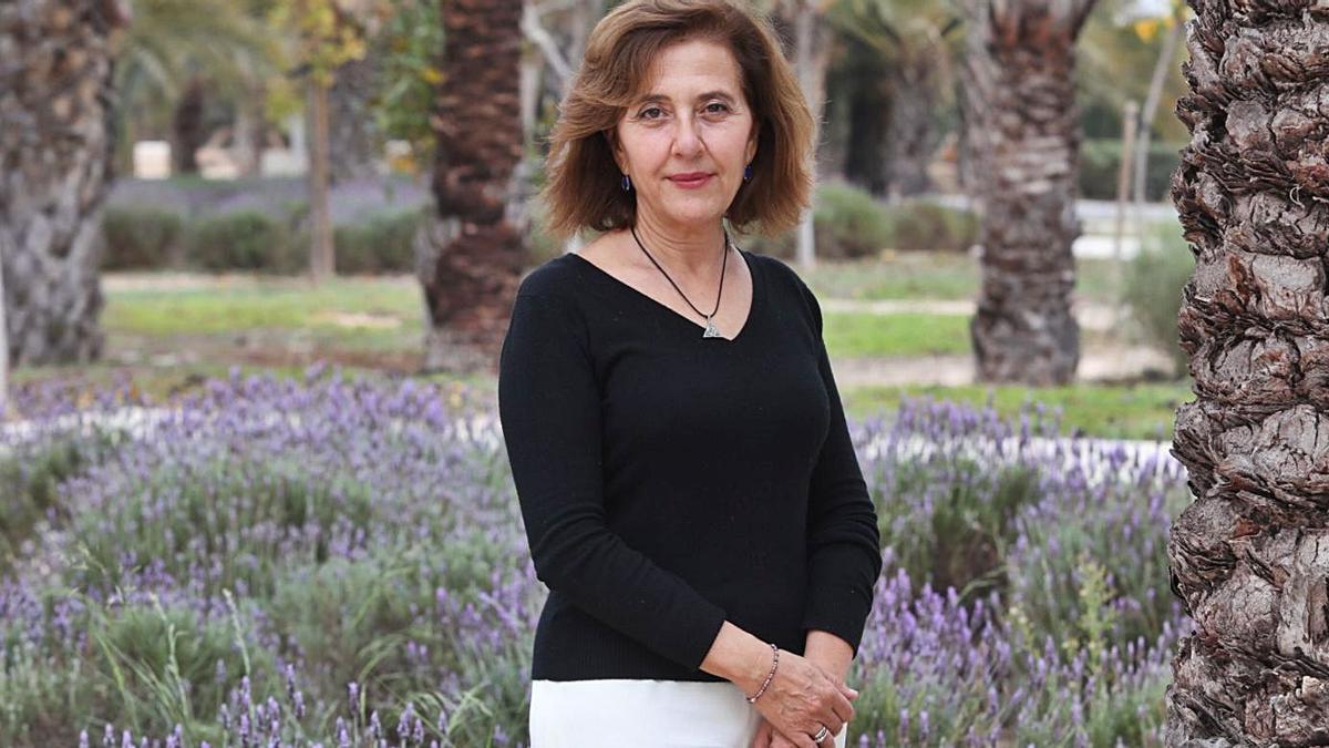María Pastor, ayer, en el campus de Elche de la Universidad Miguel Hernández. | ANTONIO AMORÓS