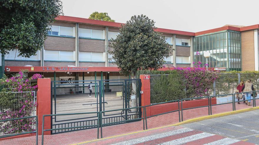 Educación lleva diez meses sin cubrir un puesto de conserje en el IES Las Lagunas de Torrevieja