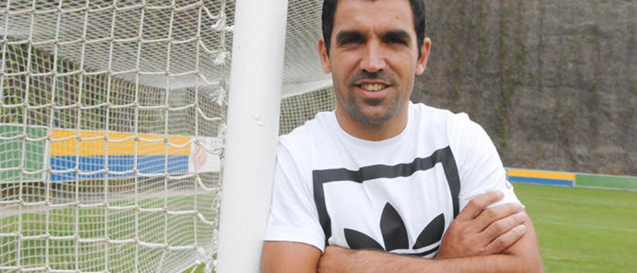 Juan Emmanuel Culio posa en una portería en Barranco Seco.