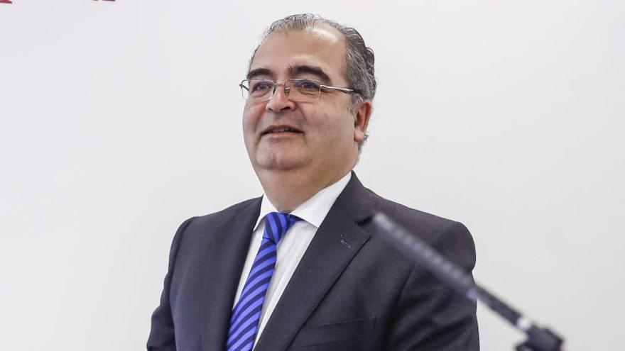 La CNMV expedienta a Ángel Ron y su equipo por las cuentas del Banco Popular