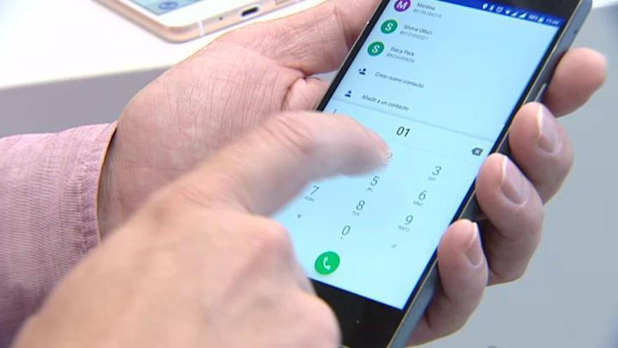 Una aplicación borrará el registro en el móvil de las llamadas al número 016