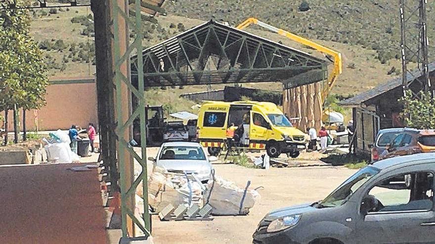 Mor un operari a Bellver en caure des de la teulada d'una antiga serradora