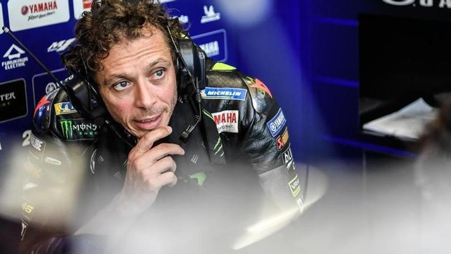 Yamaha renueva a Rossi y lo cede al equipo Petronas