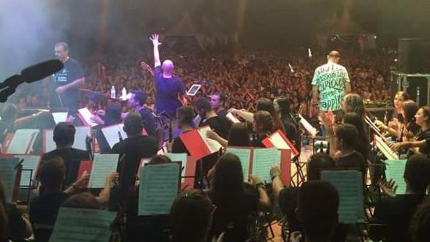 La Simfónica de Picassent se subirá al escenario con In Vivo