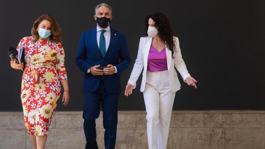 La Junta alerta de que Andalucía se quedará sin vacunas antes del fin de semana