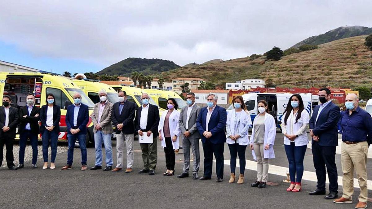 Autoridades durante la presentación en El Hierro.