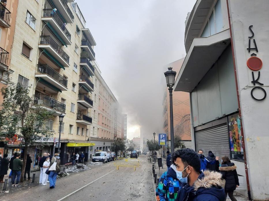 Una gran explosión destruye un edificio de Madrid
