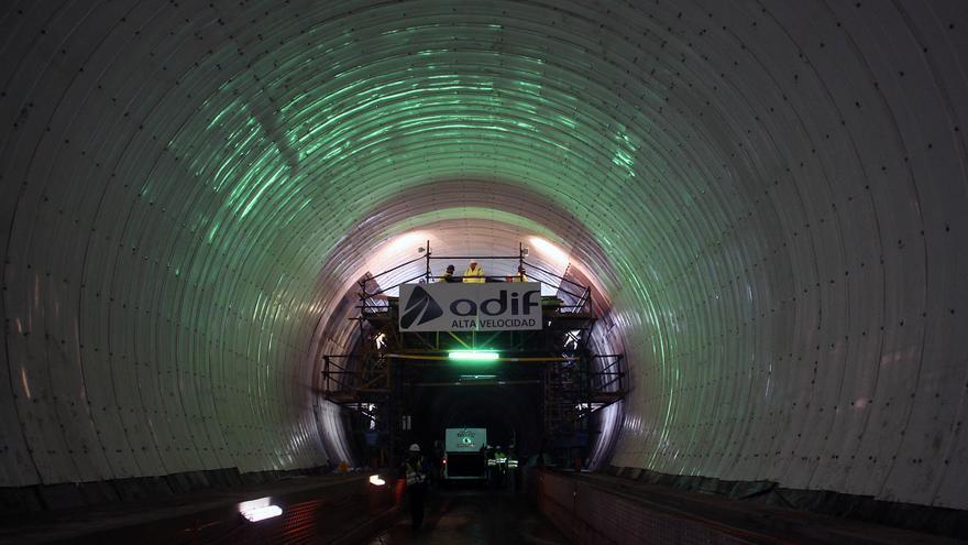 La variante de Pajares recibe el lunes el primer tren de pruebas tras 3.716 millones de inversión