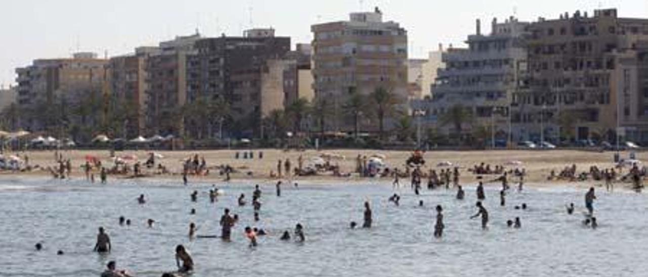 El alquiler en la primera línea de la playa del Port se sitúa entre los más bajos de España